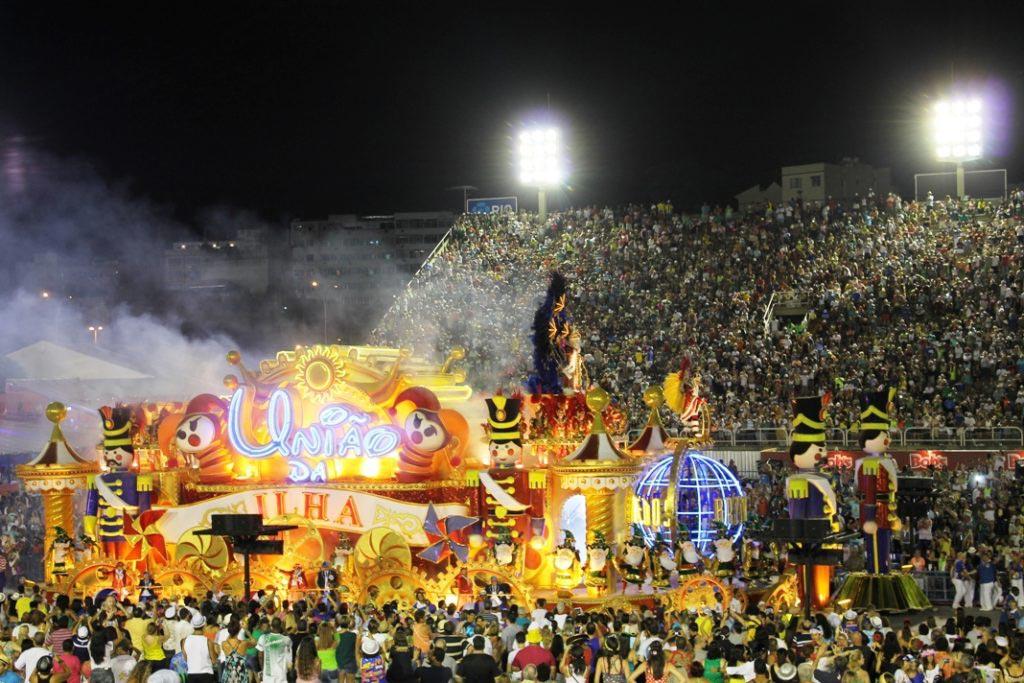 Άρμα της σχολής Uniã da Ilha