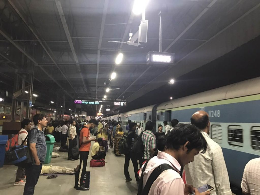 τρένο στην Ινδ'ια